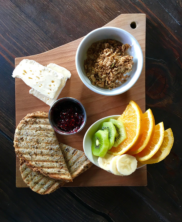 whistler-delivery-breakfast-board