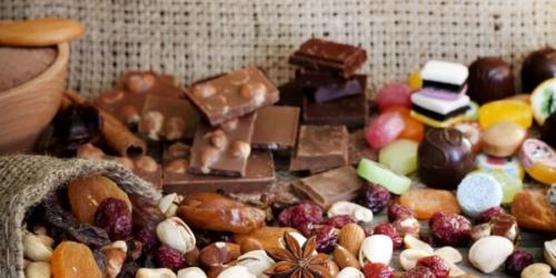 Chocolate Nuts & Fruit