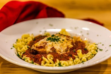 chicken-parmagiano-pasta-lupino-whistler-grocery-service-delivery-premium-quality